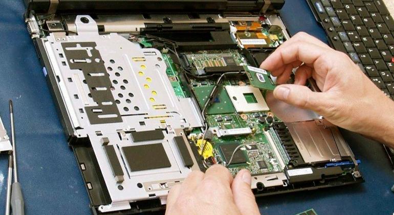 Ремонт и техническое обслуживание компьютеров, ноутбуков